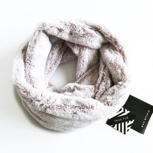 🎉SALE! Amazing Soft Faux Fur Infinity Scarf NWT!